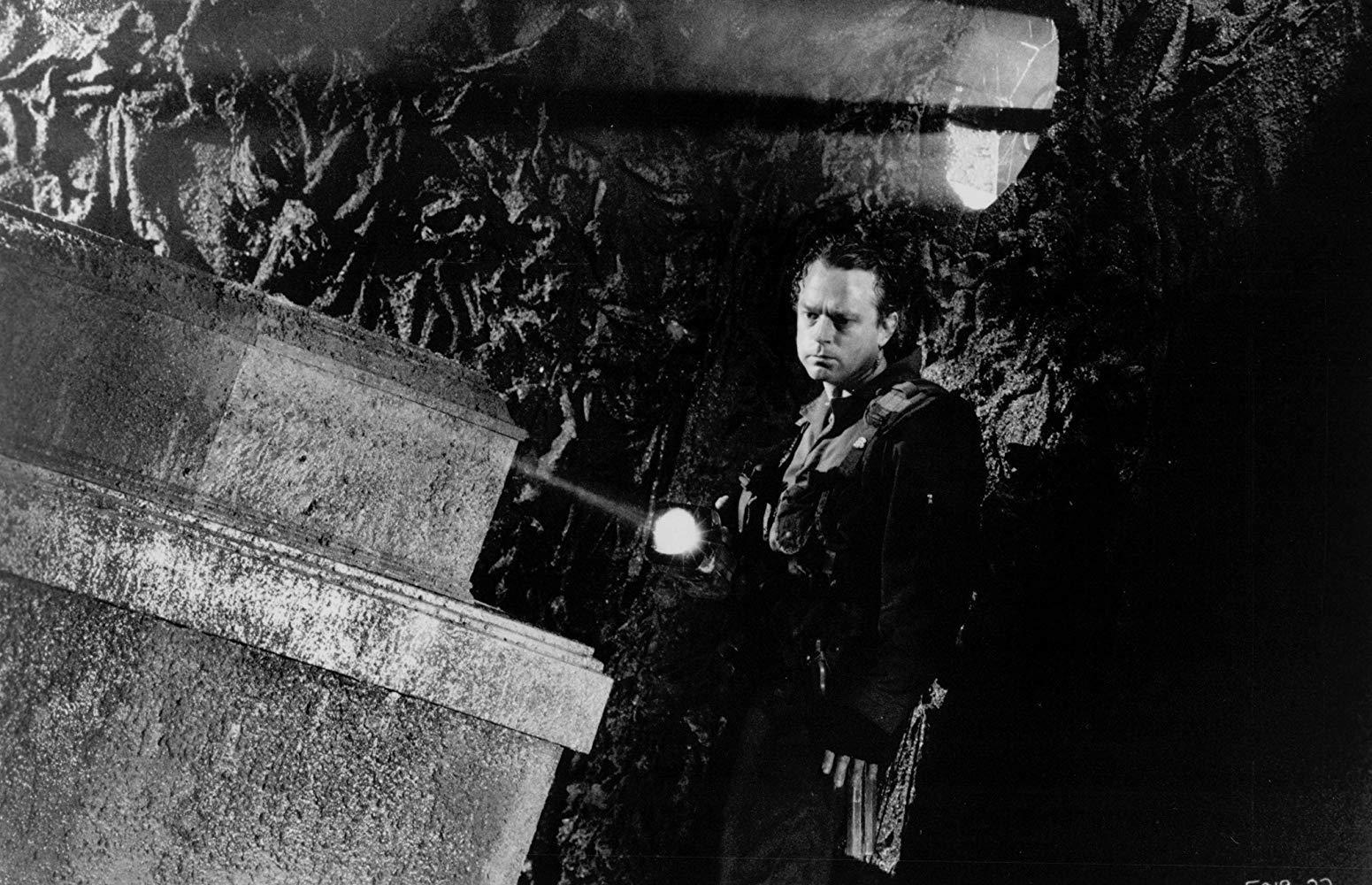 مشاهدة فيلم Graveyard Shift 1990 HD مترجم كامل اون لاين
