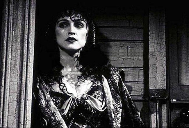مشاهدة فيلم Shadows And Fog 1991 HD مترجم كامل اون لاين